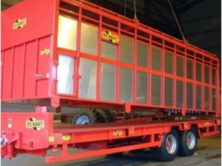 HERBST 26FT LIFT OFF LIVESTOCK TRAILER